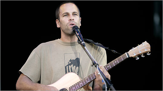 Jack Johnson (pictured in Spain) kept his songs short and sweet.
