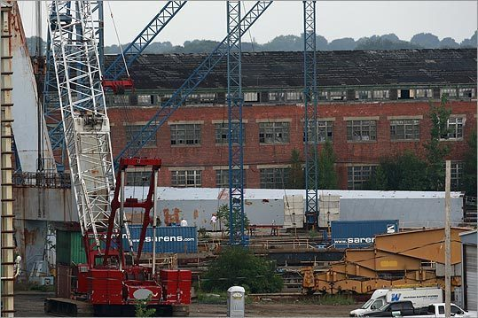 The accident resulted in the third death in three years from crane failure at the Quincy shipyard.