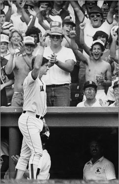 Yaz received many a curtain call for his hitting. But he was also an excellent fielder, winning seven Gold Gloves in 12 years playing left field. He was a designated hitter later in his career.