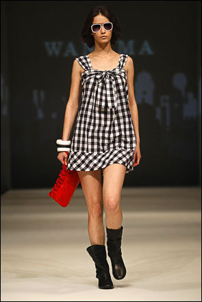 A model displays a creation from Argentine designer Wanama during Buenos Aires fashion week, August 20, 2008.