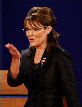 Sarah Palin blew a kiss to the audience as she took the stage.