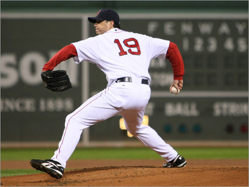 Josh Beckett delived a pitch during the second inning.
