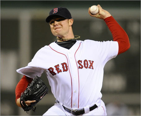 Red Sox starter Jon Lester delivered a pitch in Game 4 of the ALDS.