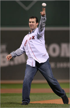 Former Red Sox outfielder Trot Nixon delivered the ceremonial first pitch prior to Game 4 of the ALCS.