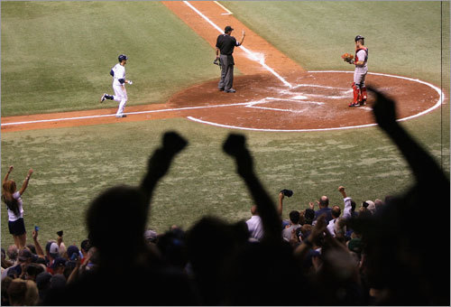 Fans cheered as Jason Bartlett homered for Tampa on the fifth inning.