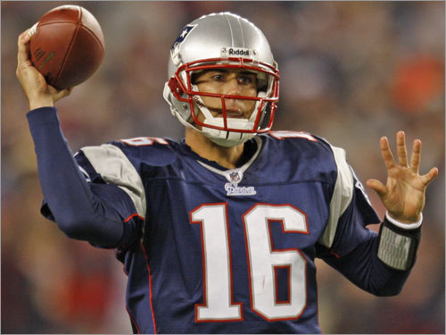 The Patriots simply might decide the best business decision is to let Cassel walk and explore free agency. While some might say the team didn't receive a return on its investment, Patriots officials could simply point to the 2008 regular season as the main return. Who thought Cassel would produce this type of season? The team would then likely receive a high compensatory draft choice (third round) in 2010. Compensatory draft picks are awarded to teams deemed to have a net loss of compensatory free agents from the prior season, and are determined based on a complex formula by the NFL. Odds of happening : 30 percent.