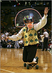 Lucky the Leprechaun at a 2007 game against the NY Knicks