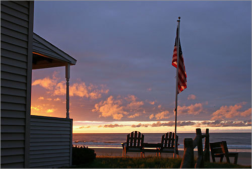 Looking for an escape from the cold, ice, and snow? Let's warm up. Readers share their photos of paradise for a chance to win a hot Boston getaway. A summer sunrise in Wells Beach, Maine.