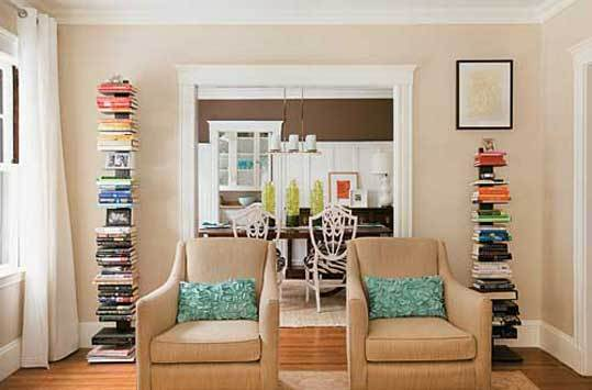 In her living room, interior stylist Erin Gates chose two Apollo chairs from Boston Interiors, a source she often uses on budget jobs.
