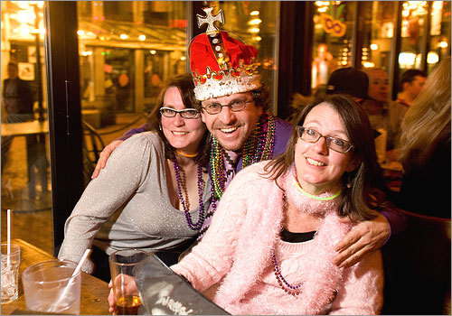 Frank Scimone of Somerville posed with Amy Prohaska of Waltham (left) and Jill Davidson of Cambridge. More info on Dick's Last Resort SUBMIT Your nightlife photos! TALK What scene should we visit next?