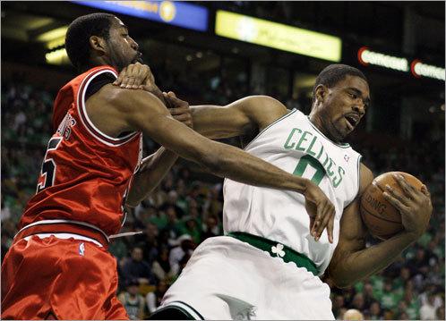 Leon Powe grabbed a rebound over Chicago Bulls forward John Salmons.