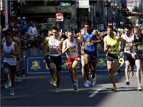 The men ran in a pack at the start of the race.