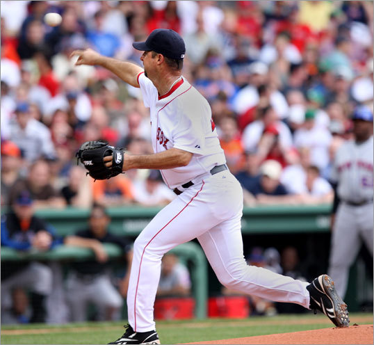 Tim Wakefield started Sunday's game for the Red Sox, who avoided a sweep at the hands of the Mets with a 12-5 win in the series finale.