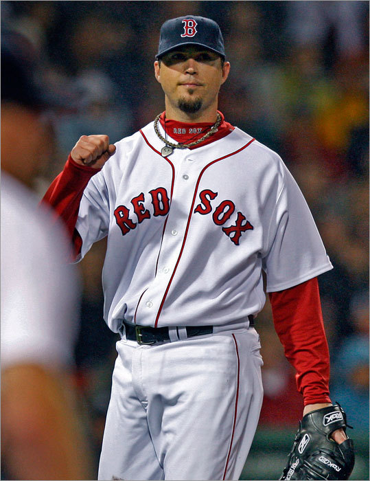 Josh Beckett improved to 7-2 on the season and dropped his ERA to 3.77.