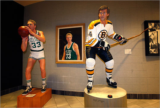 The Sports Museum inside TD Banknorth Garden offers an excellent introduction to Boston's favorite pastimes. A series of Armand LaMontagne wooden sculptures depicts Boston sports greats in familiar poses. GPS coordinates: Lat: 42.365801 Lon: -71.060733 Address: 100 Legends Way