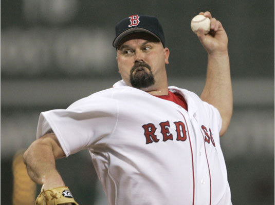 David Wells The ultimate journeyman, Wells played for a staggering 10 teams in 12 different stints, the most notable the 1998 season that included a perfect game while with the Yankees. Boomer signed with the Sox for two seasons and pitched for the team in 2005 before being traded to the Padres in exchange for George Kottaras in August 2006. The outspoken lefty retired with a 239-157 career record in 21 seasons and was 17-10 with a 4.56 ERA while with the Red Sox. ( Wells's stats )