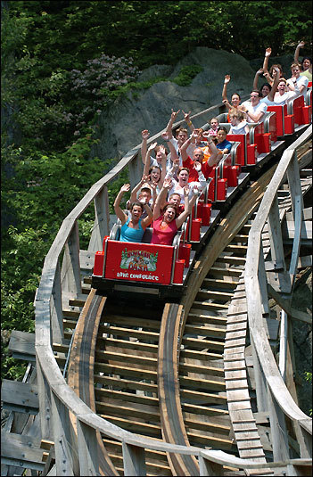 If you like an adrenaline rush, or have older kids who do, then head to Lake Compounce Family Theme Park , an old-school amusem