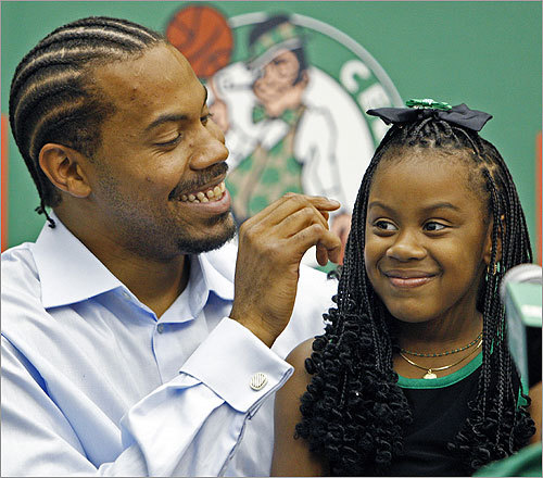 Wallace brought his five-year old daughter, Rashiyah, to the podium for part of the news conference. Read the Boston Globe article Welcoming committee Read the Bob Ryan column Winning at home has new meaning