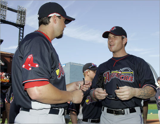 Red Sox pitcher Josh Beckett (left) spoke to Rangers slugger Josh Hamilton before the start of the home run derby.