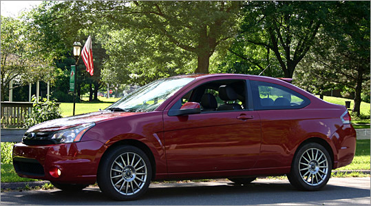 The 2009 Ford Focus SES, while not up to the model's newer European specifications, is surprisingly good, John Paul says.