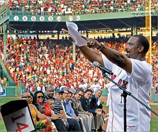 Jim Rice thanked fans during ceremonies.