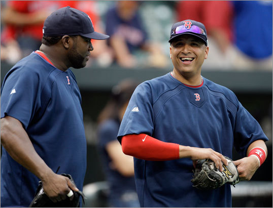 David Ortiz (left) and Victor Martinez talked before the game.