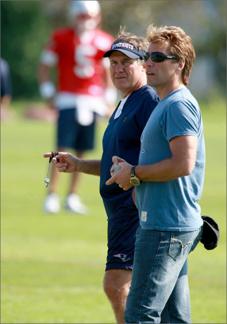 Jon Bon Jovi joined his friend, Bill Belichick, and the rest of the team during the Patriots' afternoon practice. Stroll through our gallery for more scenes from Tuesday's sessions.