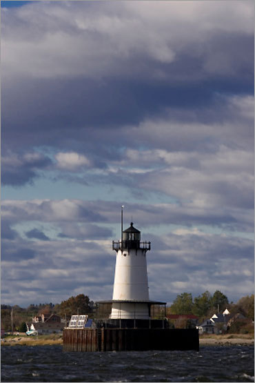 Fall River had a booming textile industry by the mid-1800s, which resulted in an increase in maritime traffic. Today, the lighthouse remains an active Coast Guard aid to navigation. It can be seen from the Borden Light Marina.