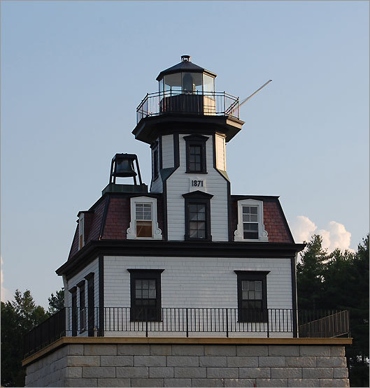 The Colchester Reef Light, once located on Colchester Point, was one of a group of New England lighthouses built to the same design. Nearly identical lighthouses were constructed in Rhode Island at Sabin Point, Pomham Rocks, and Rose Island. Today, the house can be found on the grounds of the Shelburne Museum . Tours of the lighthouse and its exhibits are included in the price of admission.