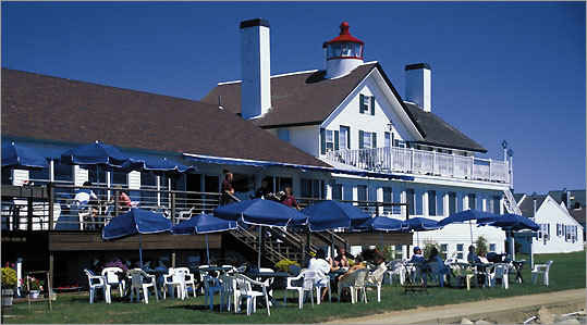 Palmer's Island Lighthouse, which has undergone many renovations over the years, is barely recognizable from the building that was erected in 1855. Today it is home to the Lighthouse Inn and restaurant.