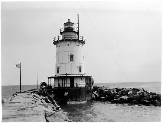 First lit in 1886, the Saybrook Breakwater Light marks the mouth of the Connecticut River near Old Saybrook. It remains active to this day. * Not open to the public.