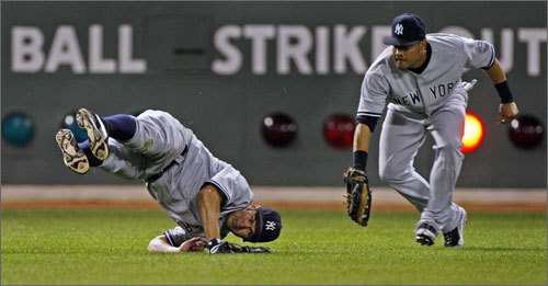 Johnny Damon attempted to make an acrobatic sixth-inning catch off of a hit by Mike Lowell. Damon was unsuccessful and the single moved Kevin Youkilis from second base to third. In the next at-bat Rocco Baldelli plated Kevin Youkilis on a sacrifice fly to right.