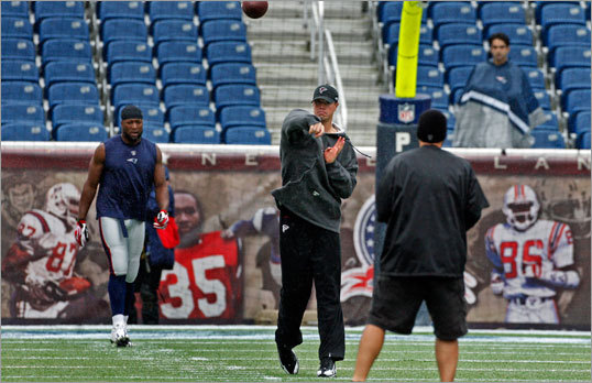 Falcons quarterback Matt Ryan warmed up hours before his team faced the Patriots at Gillette Stadium.