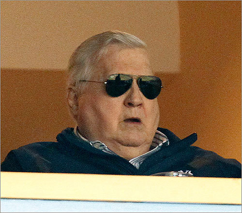 3. Show some respect for the elderly, will ya? Ah, by elderly, we are referring to ailing Yankees owner George Steinbrenner.