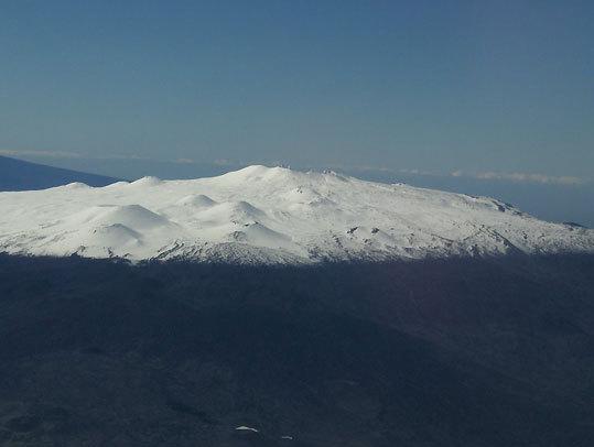Mauna Kea en route to Oahu.