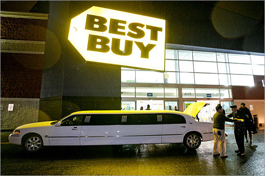 While a line of people waited outside on Black Friday for the Best Buy in Dedham to open, Chi Nguyen was ferried to the front of the store in a limo. The reason? Nguyen won an online contest that awarded him VIP treatment at the store on the busiest of shopping days.