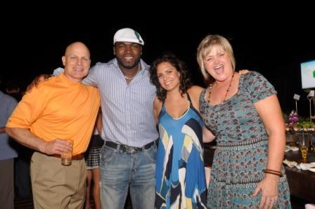 Brad Mills, David Ortiz, Bertha Lowell and Ronda Mills