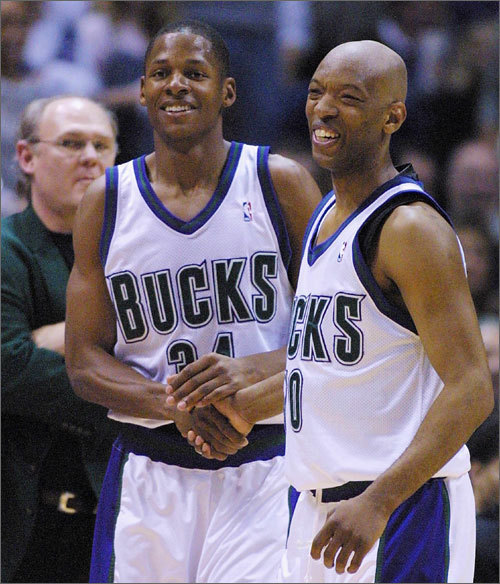 Bucks: 1996-2002 In Milwaukee, Allen was part of a sort of 'Big 3' which consisted of himself, Glenn Robinson, and Sam Cassell (who Allen would meet again on the Celtics). Allen's best season with the Bucks came in 2000-01, where he averaged 22 points per game and led the Bucks to the Eastern Conference Finals.