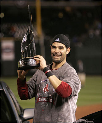 World Series MVP His performance helped the Red Sox hold onto their American League East lead, and the Red Sox went on to win their seventh World Series (the second for Lowell). Lowell was named World Series MVP after hitting .400 with one HR and four RBIs in a sweep of the Rockies.