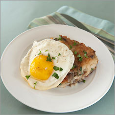 Mushroom risotto cakes with eggs