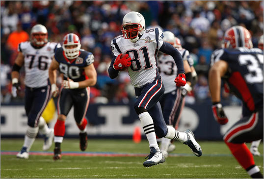 Randy Moss (center) broke into the open for a 16-yard reception in the first half. Moss had 70 receiving yards and one touchdown for the Patriots in their win over the Bills Sunday.