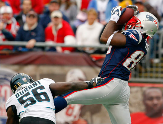 Patriots tight end Chris Baker caught a touchdown pass against Jacksonville Jaguars linebacker Justin Durant in the second quarter Sunday.