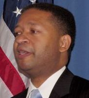 MIDDLE-CLASS APPEAL 'There is a group of insiders in this state who benefit from protecting the status quo,' US Representative Artur Davis said.