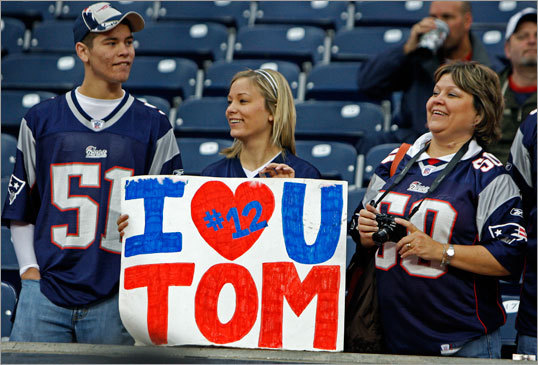These fans made a sign in support of Tom Brady.