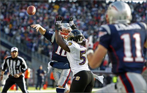 Tom Brady fired a 6-yard touchdown pass to Julian Edelman with linebacker Dannell Ellerbee in his face for the Patriots first touchdown of the game.