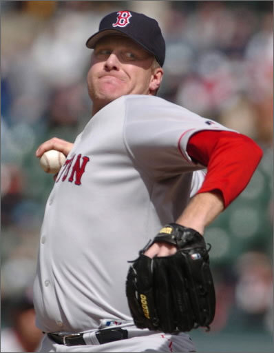 Curt Schilling Curt Schilling was called 'Red Light' by teammates because he had a tendency to know when television cameras were pointed toward him and always gave the operators some good sound bites. The righthander -- best known for his heroics in the 2004 baseball playoffs -- played for Boston from 2004 to 2007. He led the AL in wins in 2004 and was World Series MVP in 2001 with Arizona.