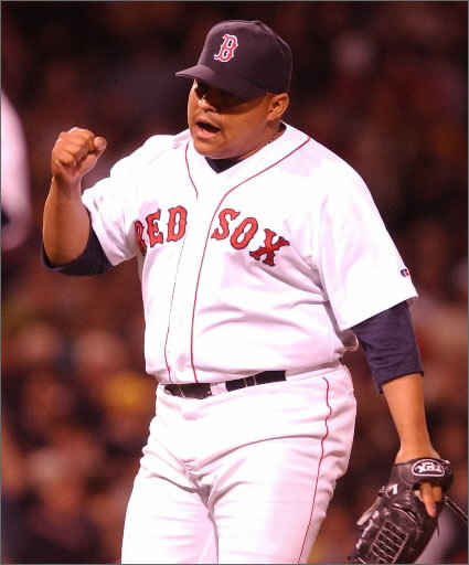 Rich Garces El Guapo is Spanish for 'the handsome one,' and the accepted thought is that former Red Sox pitcher Rich Garces came up with the nickname himself or brought it with him from his childhood. Garces led a strong bullpen in the late 1990s and was pushing 275 pounds on the scale. He still was known as 'El Guapo.'