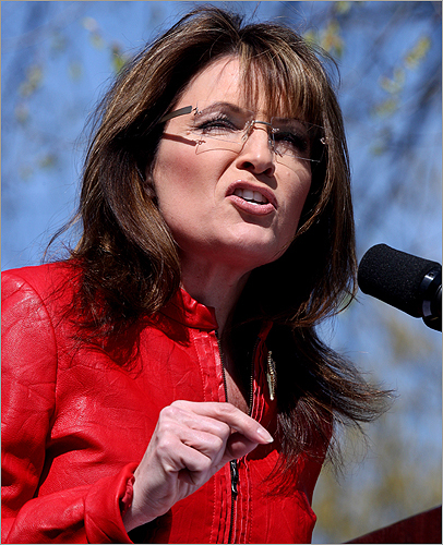 Palin exited the Tea Party Express bus prior to addressing the Tea Party rally.