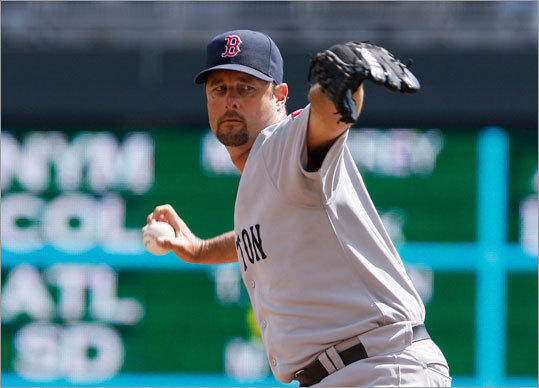 Red Sox pitcher Tim Wakefield delivered a pitch during the third inning against the Minnesota Twins at Target Field Thursday.