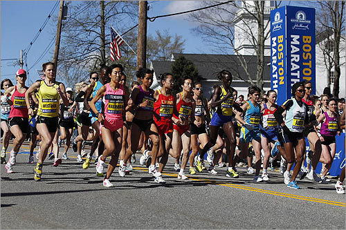 Among the elite women's marathoners are Yurika Nakamura of Japan, Chaofeng Jia of China, Bruna Genovese of Italy, Teyba Erkesso of Ethiopia, and Dire Tune of Ethiopia.